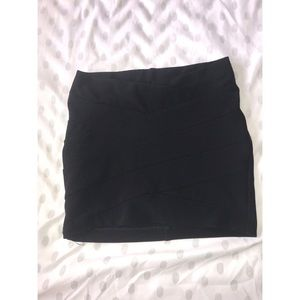 Ribbed Black Skirt